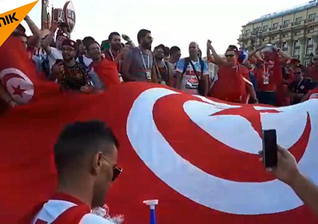 紅場變成球迷的紅色海洋