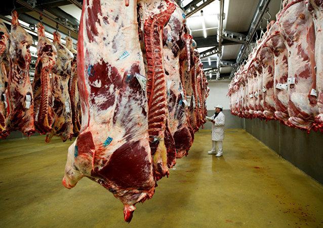 媒體:阿根廷將暫停牛肉出口一個月