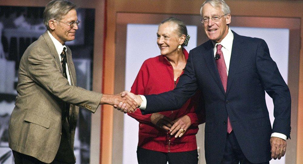 Джим Уолтон, Элис Уолтон и Робосн Уолтон-дети основателя Walmart