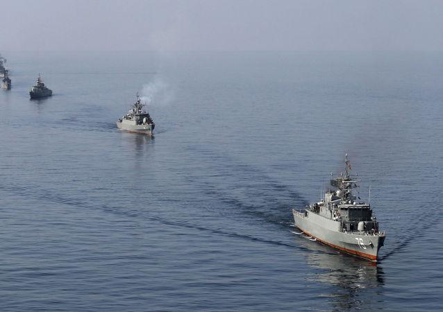 媒体:伊朗海军一艘舰船起火后沉没