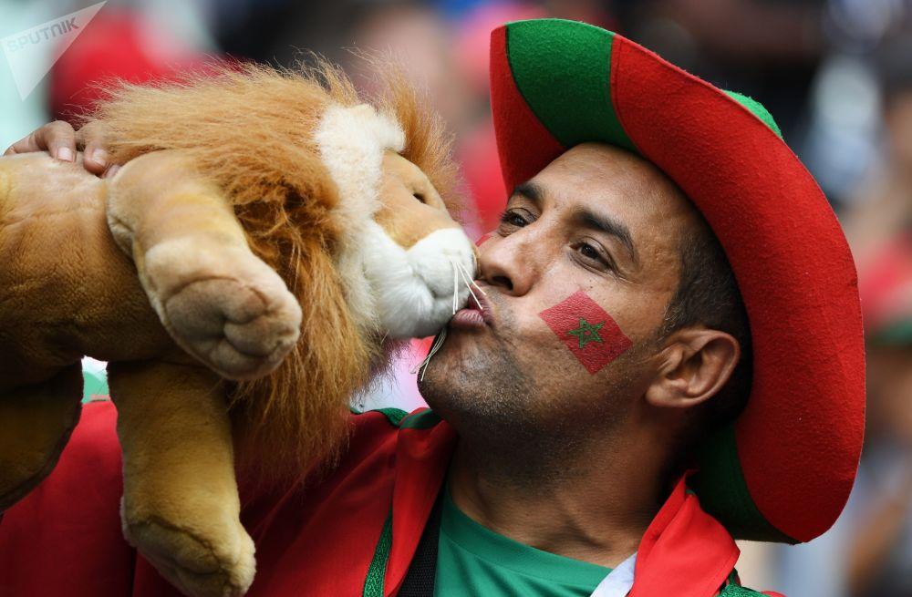 在葡萄牙和摩洛哥的比賽前的摩洛哥球迷