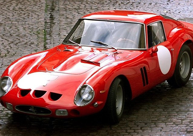 德国一辆价值200万欧元的法拉利车在试驾时被盗