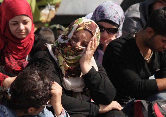 從摩洛哥進入西班牙的非法移民數量一天增至5000人