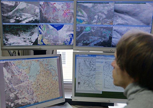俄联邦水文气象和环境监测局工作人员