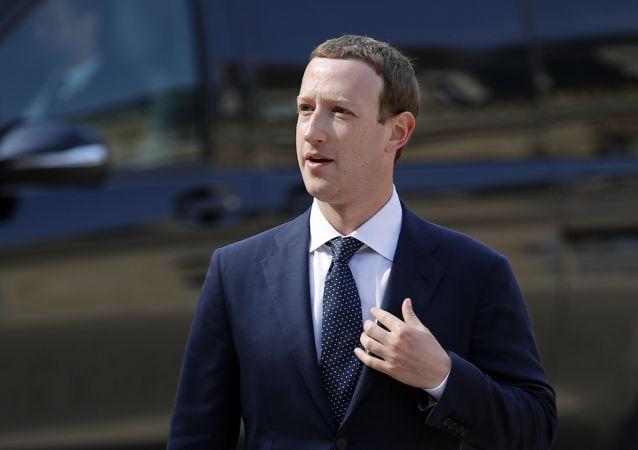 扎克伯格贊同對Facebook Messenger端到端加密保護