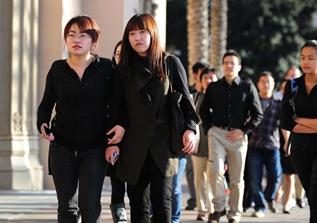 中方欢迎美国放宽中国留学生赴美限制的决定