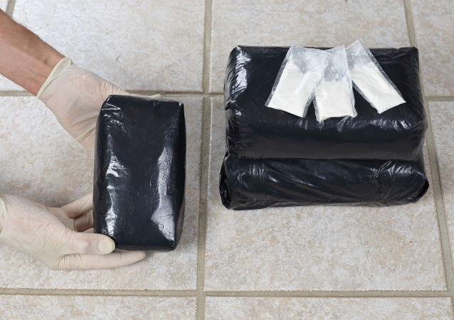 湯加警方:該國海灘發現一批價值100萬美元的可卡因