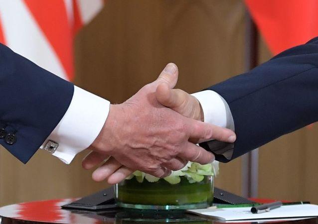 普京:俄美需就《中导条约》等所有复杂问题进行对话