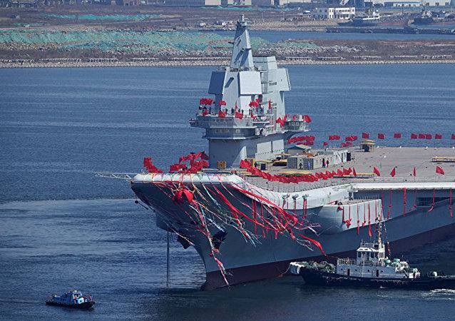 中国第一艘国产航母。档案照片。