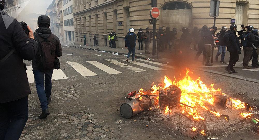「黃背心」抗議