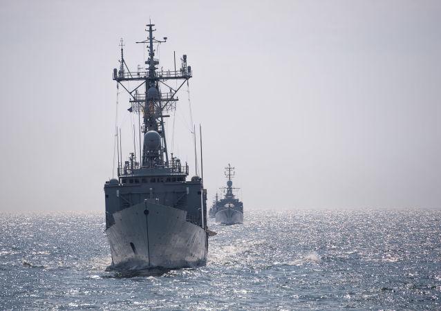 俄羅斯艦隊開始監視進入黑海的意大利護衛艦