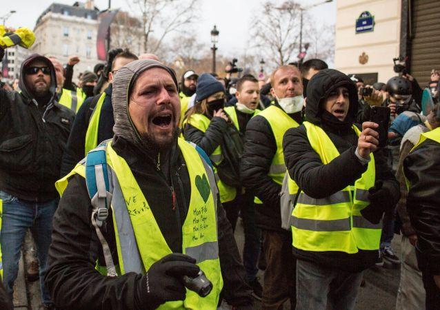 媒體:超過5.8萬名黃背心2月2日參與法國的抗議活動