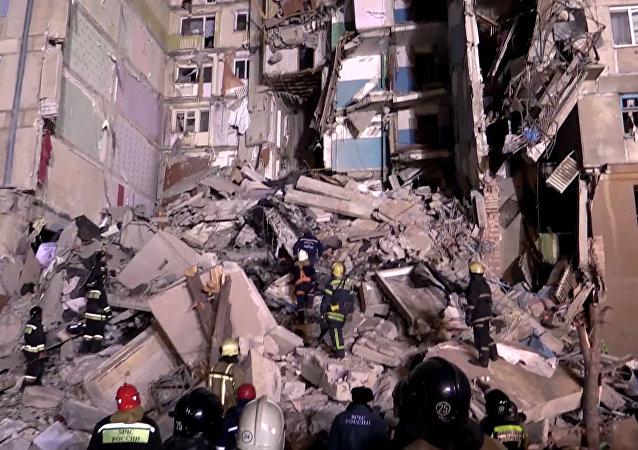 俄当地政府:马格尼托哥尔斯克居民楼燃气爆炸的7名遇难者中没有儿童