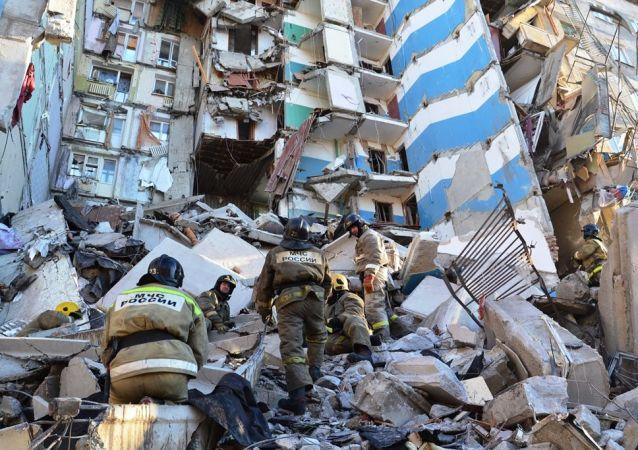 俄紧急情况部:救援人员挖出第38具马格尼托戈尔斯克爆炸遇难者遗体