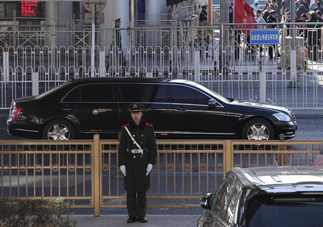 媒体:金正恩在京参观同仁堂工厂
