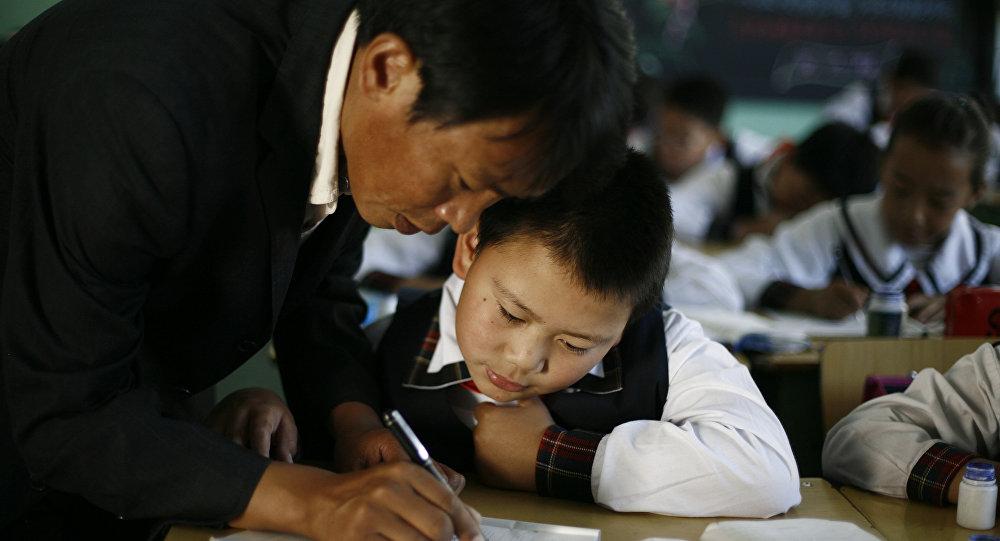 """广东还给教师""""惩戒权"""":这等于体罚吗?"""