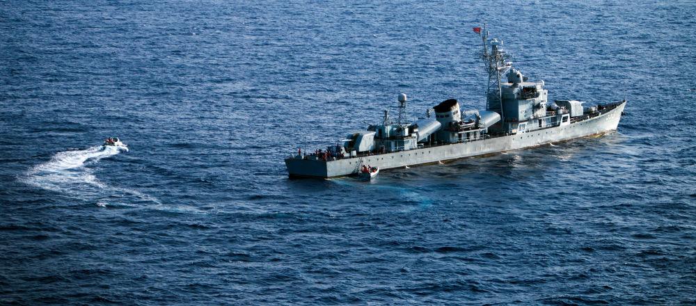 中国东部战区在台岛西南海空域实施联合警巡和实战化演练