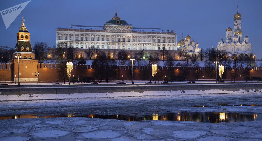 普京称,俄罗斯不会先于其他国家部署导弹