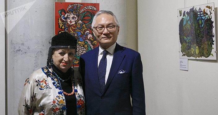 耿中庸代表和東方藝術博物館副館長