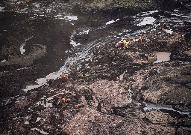 普京就米纳斯吉拉斯州矿坝决堤事故向巴西领导人致电表示慰问