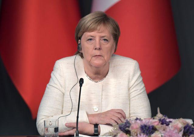 默克爾與烏克蘭總統強調遵守明斯克協議的必要性