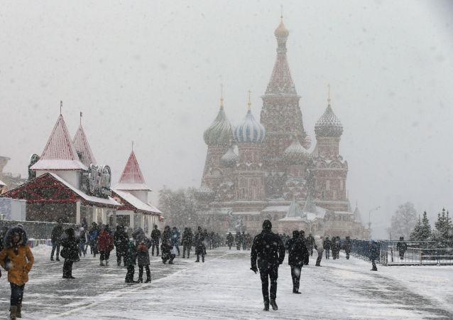 民调:逾半数俄民众认为俄罗斯受到他国的军事威胁