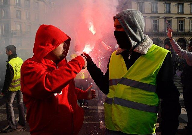 法国全国大罢工(资料图片)