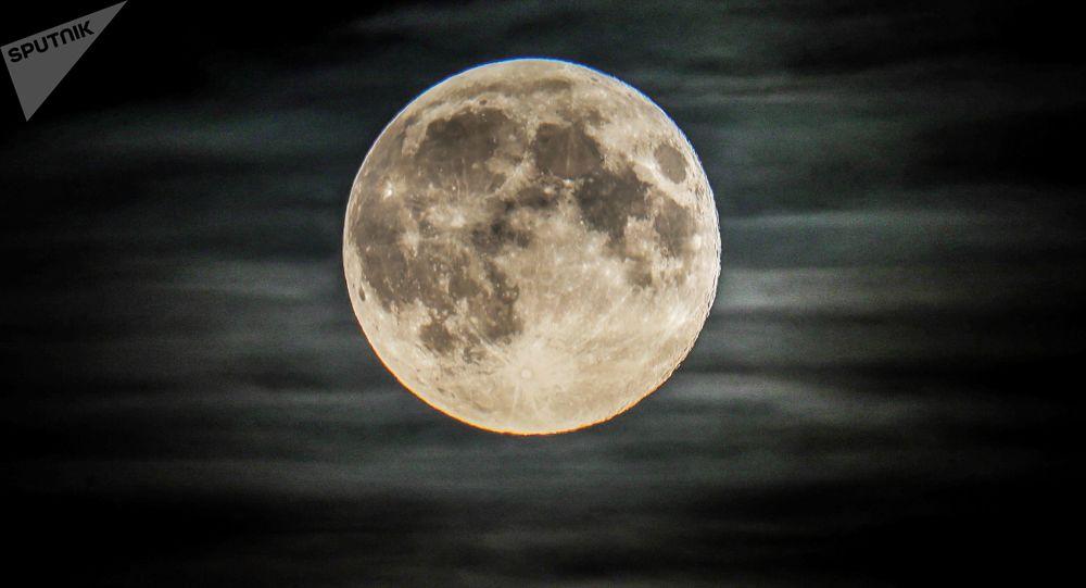 月球上的俄月球車將由機器人控制
