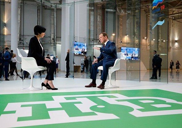俄總理:西方制裁無法徹底衝垮俄羅斯經濟
