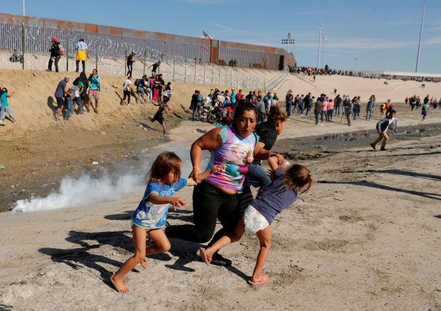 墨西哥移民局解救出被關押的81名非法移民