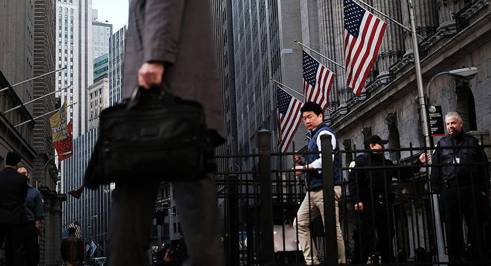 美联储:新冠疫情一年来美国居民资产增至创纪录154.2万亿美元