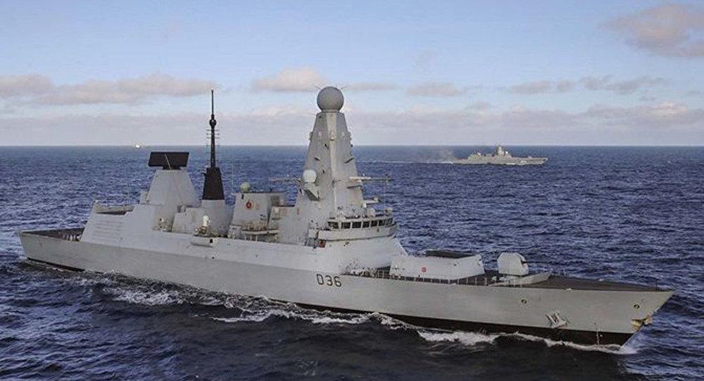 英國海軍「保衛者」號驅逐艦