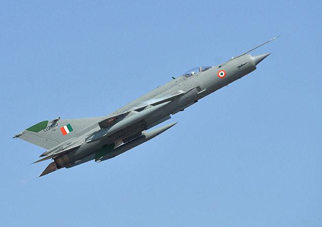 印度空軍:一架米格-21飛機在印度墜毀 飛行員死亡