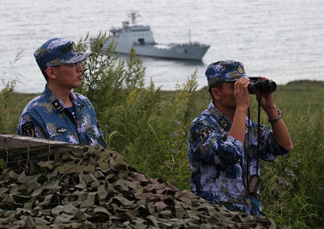 Китайские военные моряки