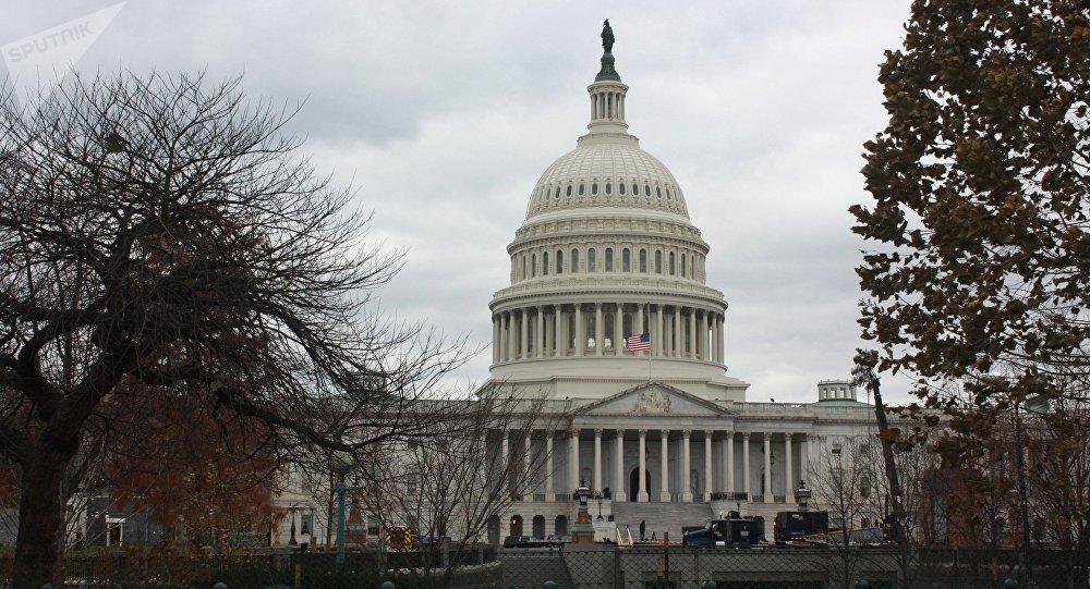 美国众议院委员会支持民主党人针对特朗普的弹劾报告