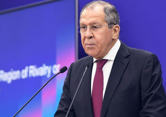 俄外长:北极任何问题都无需军事途径解决