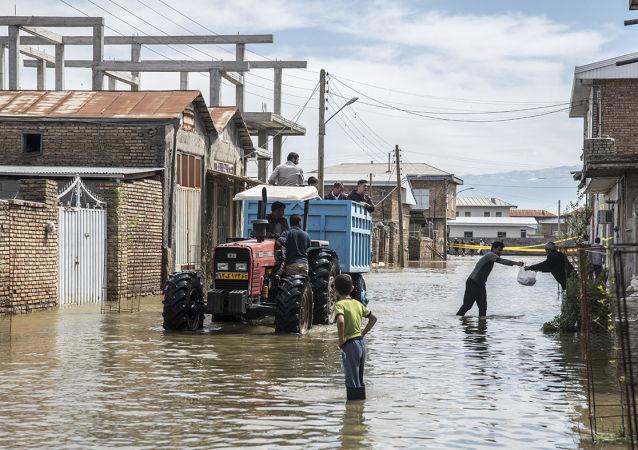 伊朗洪灾遇难人数增至12人