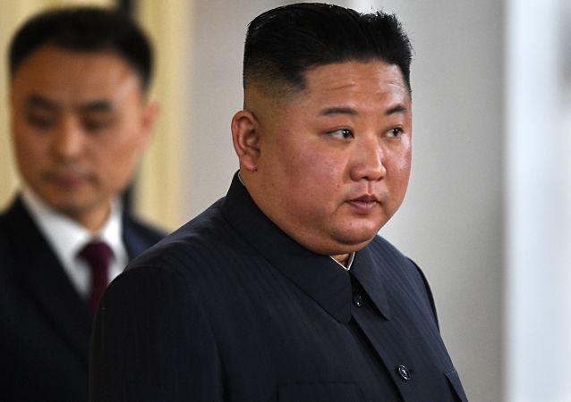金正恩在朝鲜地方人民会议议员选举中投票