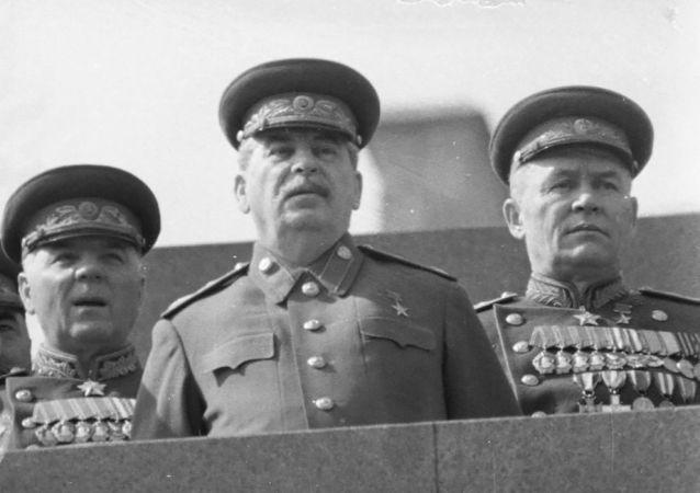 白俄罗斯人因有关斯大林的争执把乌克兰人打得半死