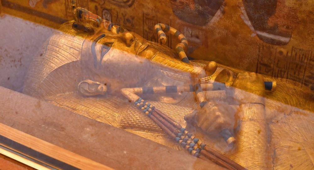 證實圖坦卡蒙護身符的外星起源