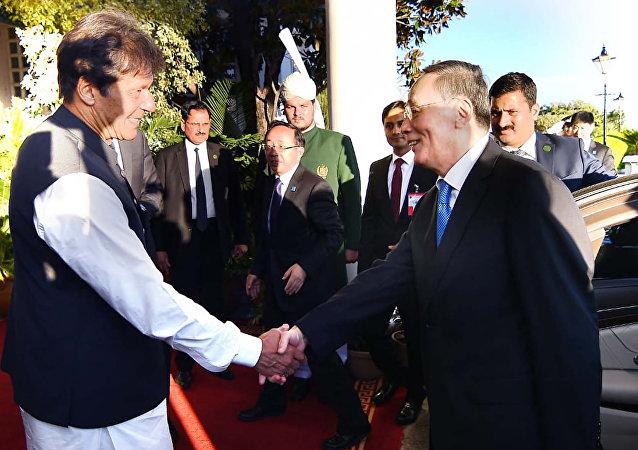 中国和巴基斯坦就加强中巴经济走廊安全达成协议