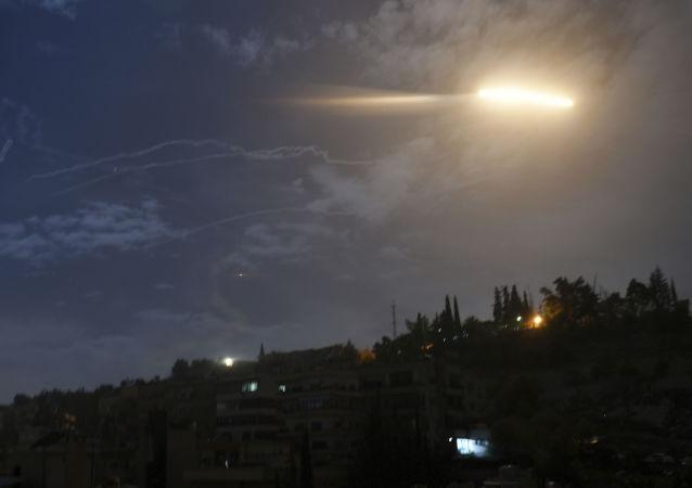 叙利亚国家通讯社:叙防空部队在霍姆斯上空击退空袭