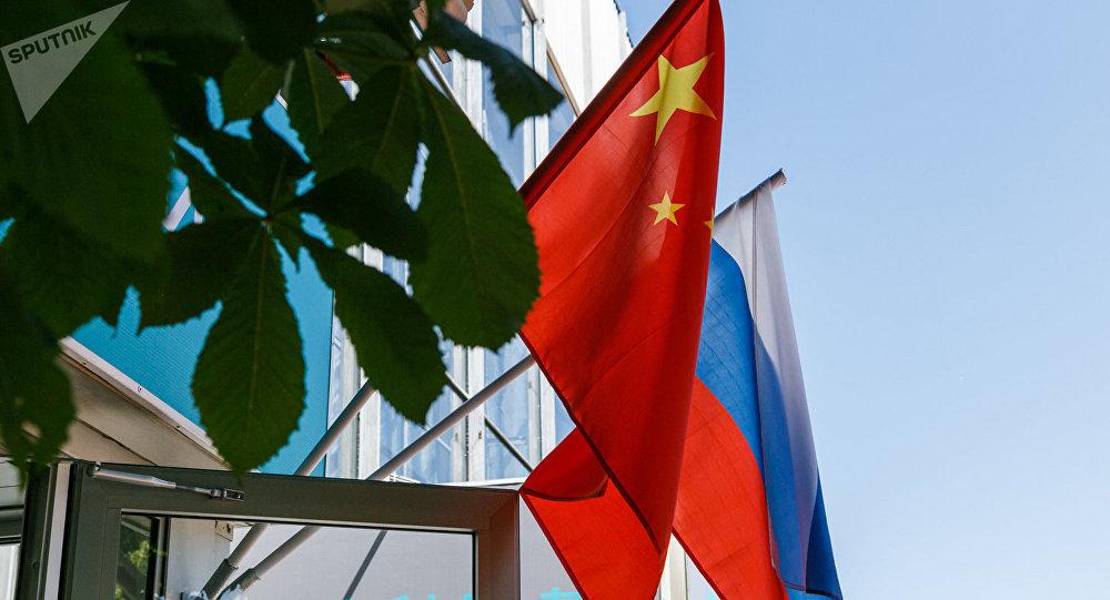 新冠病毒疫情阻挡不了俄中两国执政党之间的交流