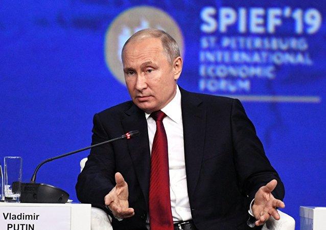普京:俄中沒有成立軍事聯盟 也不針對任何國家