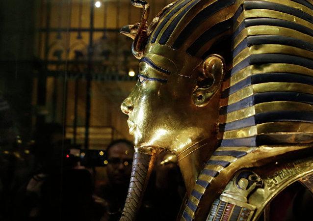 英國不顧埃及反對將拍賣圖坦卡蒙半身像
