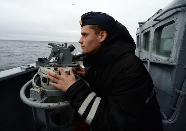 俄太平洋舰队战舰在日本海与假想敌交锋