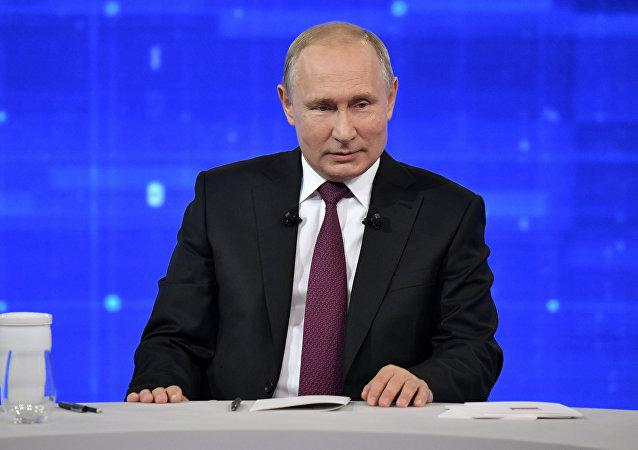 俄羅斯民眾在「與普京直播連線」前提出的問題最常涉及衛生保健領域