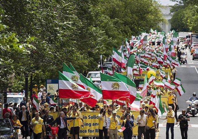伊朗裔移民走上華盛頓街頭要求更換德黑蘭政權