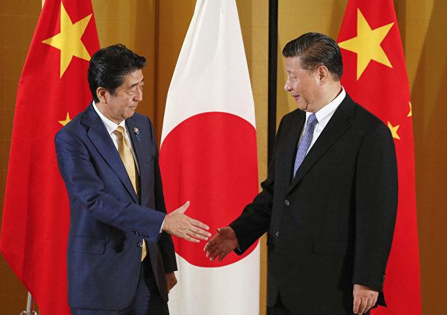 国家主席习近平当地时间27日在大阪会见日本首相安倍晋三