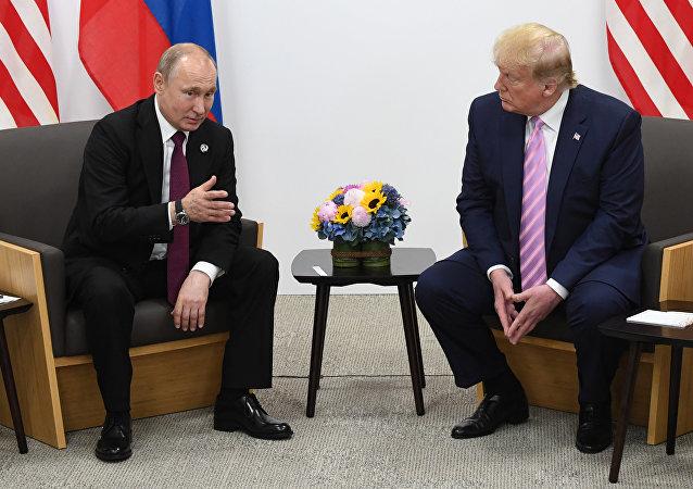 佩斯科夫总结普京和特朗普的交谈:我们确定准备开始就安定和裁军以及军备控制进行交流